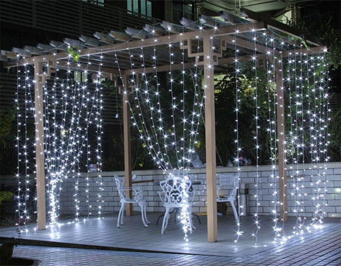 why are outdoor led curtain lights better than string